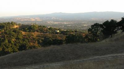 Hiking trail in hills above San Jose