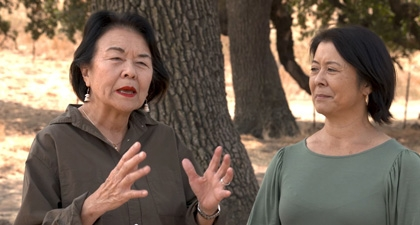 Gloria Chun Hoo talking with Kathy Sutherland at Coyote Valley